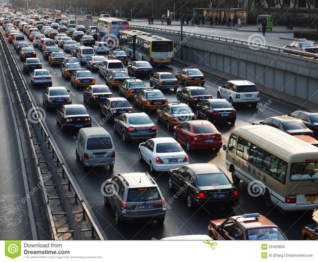 beijing-tung-trafikstockning-och-luftfororening-22420820